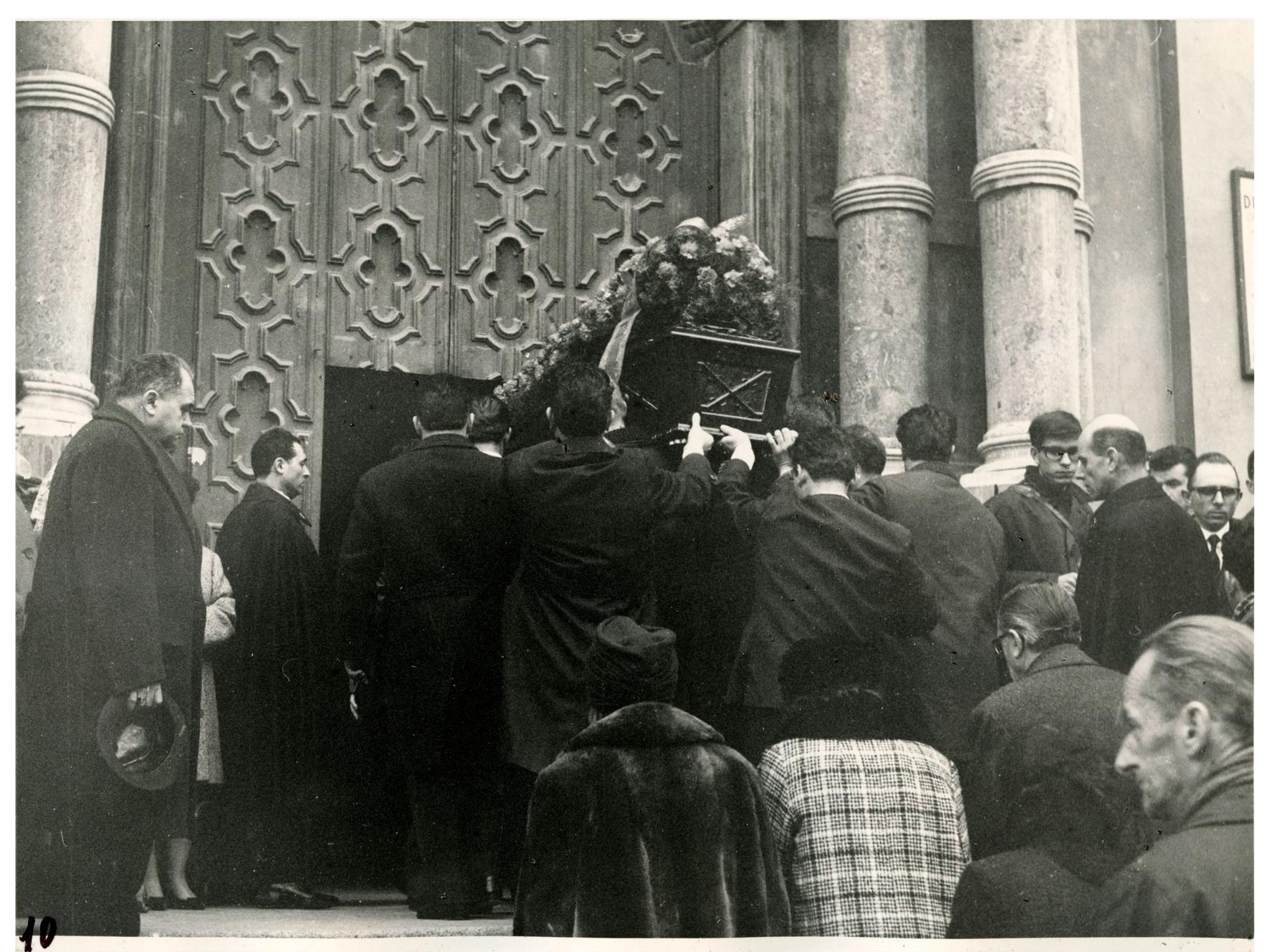 foto 10 funerale Ghslandi