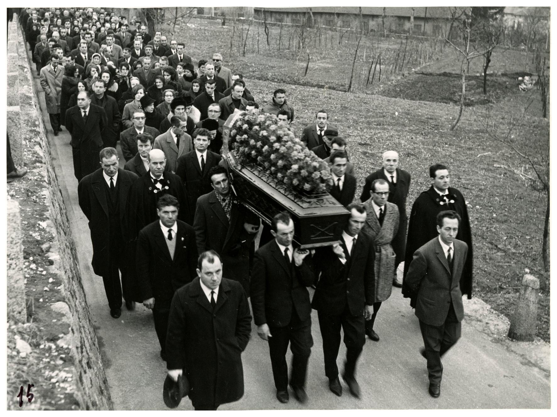 foto 15 funerale Ghslandi
