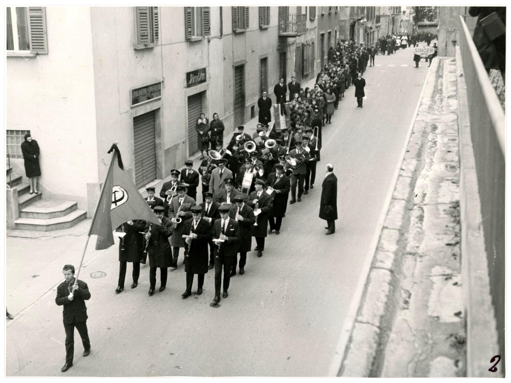 foto 2 funerale Ghslandi