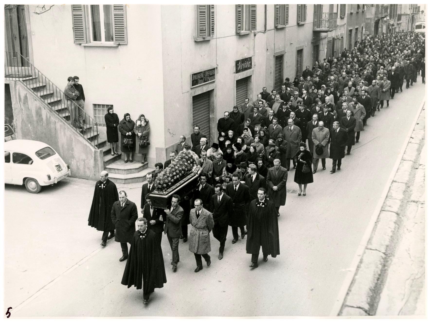 foto 5 funerale Ghslandi