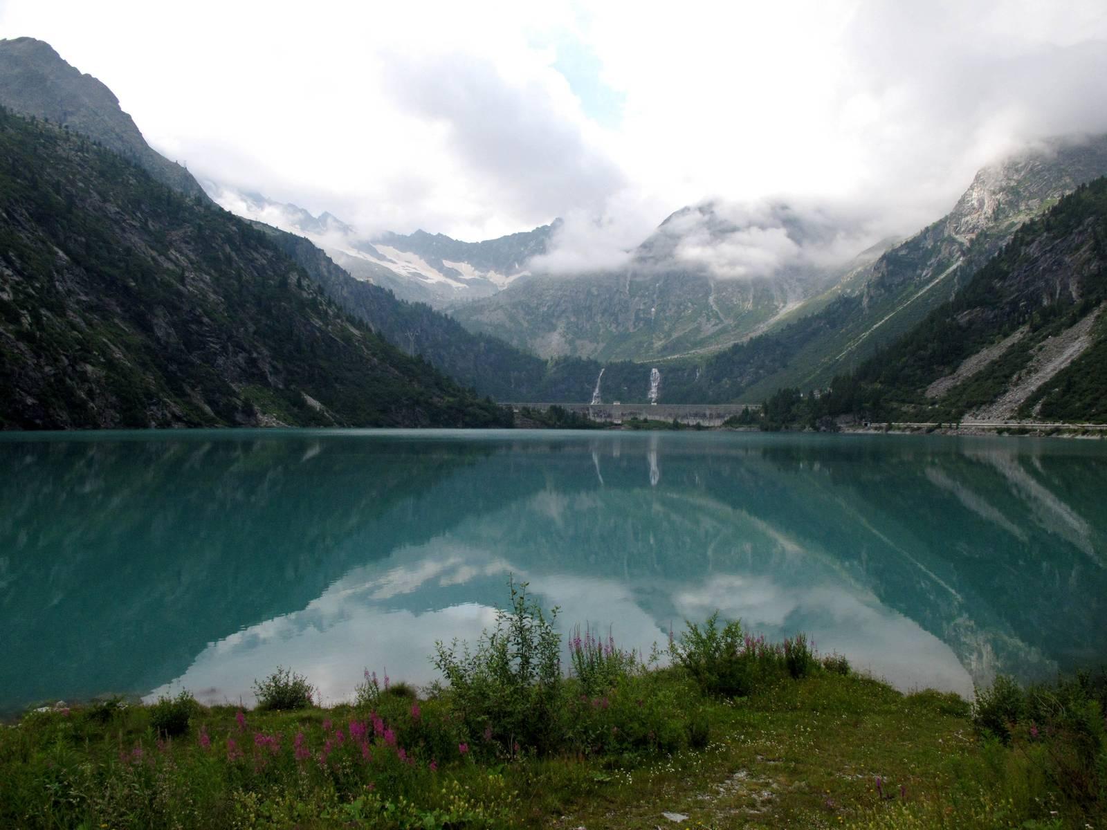Passi-nella-neve-9-agosto-2014_Narrazione-in-cammino-destinazione-Garibaldi21 Copia