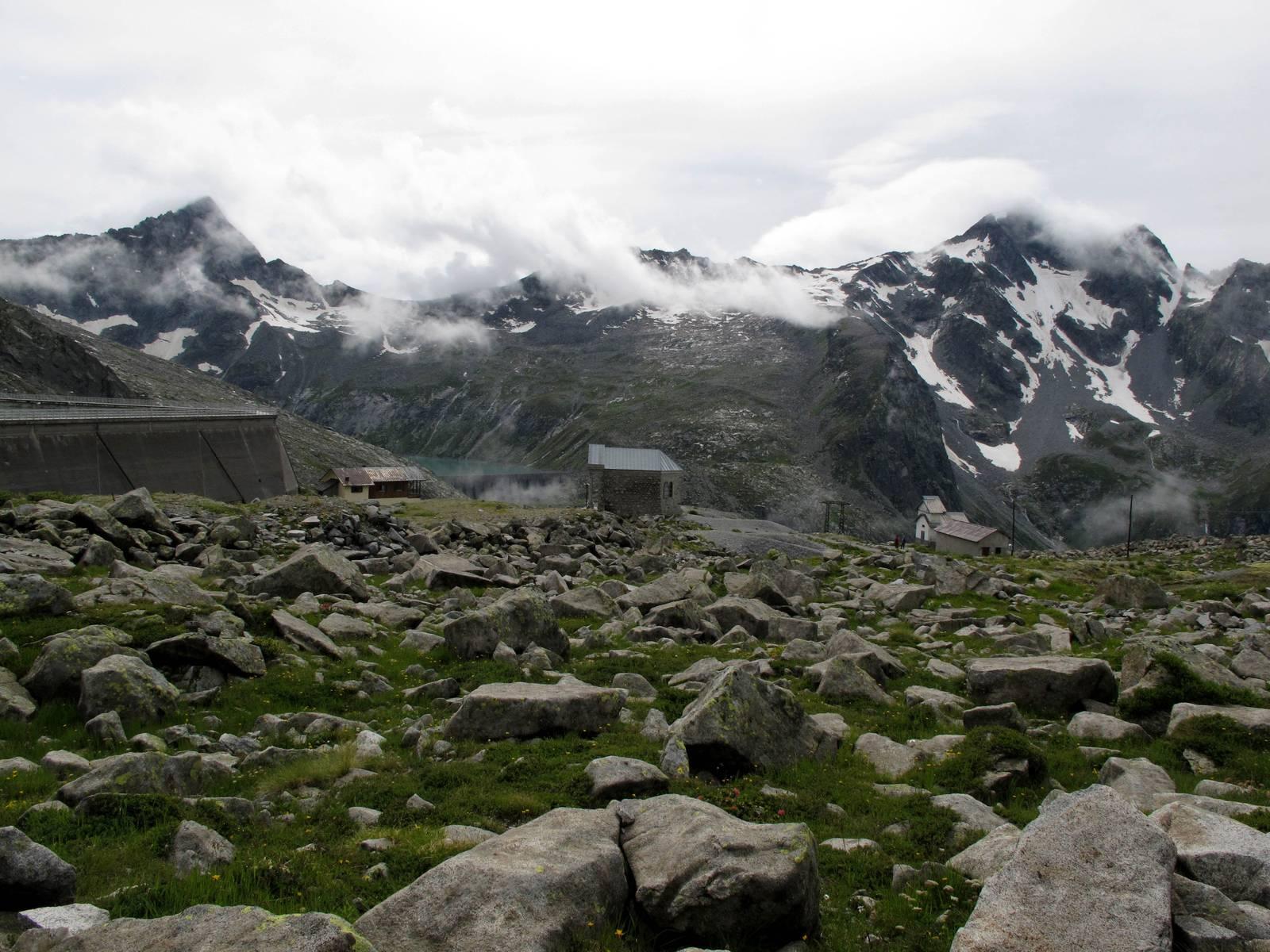 Passi-nella-neve-9-agosto-2014_Narrazione-in-cammino-destinazione-Garibaldi45 Copia