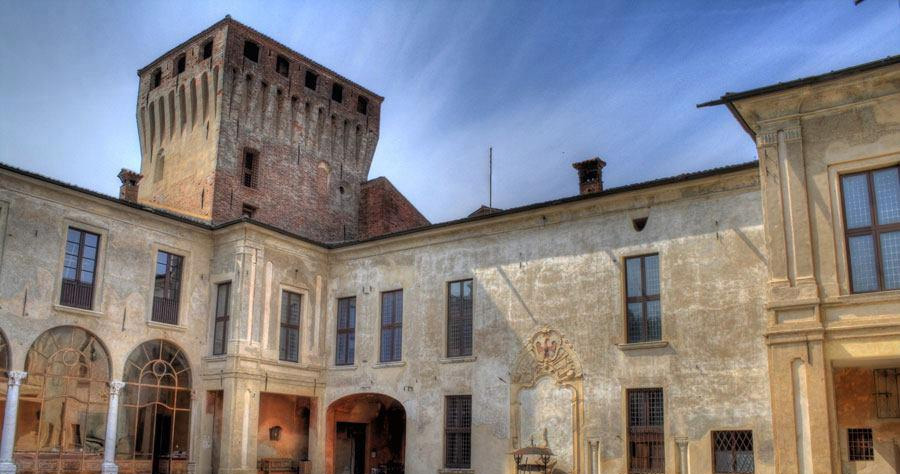 castello-di-padernello-corte