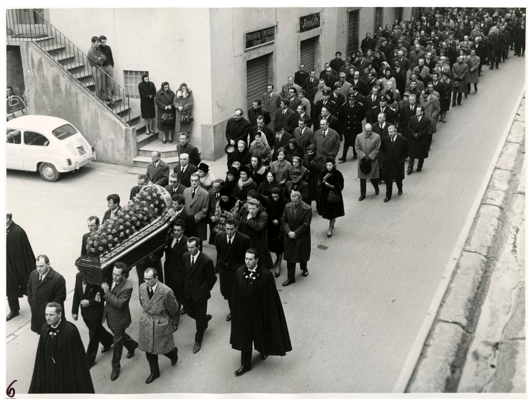 foto 6 funerale Ghslandi
