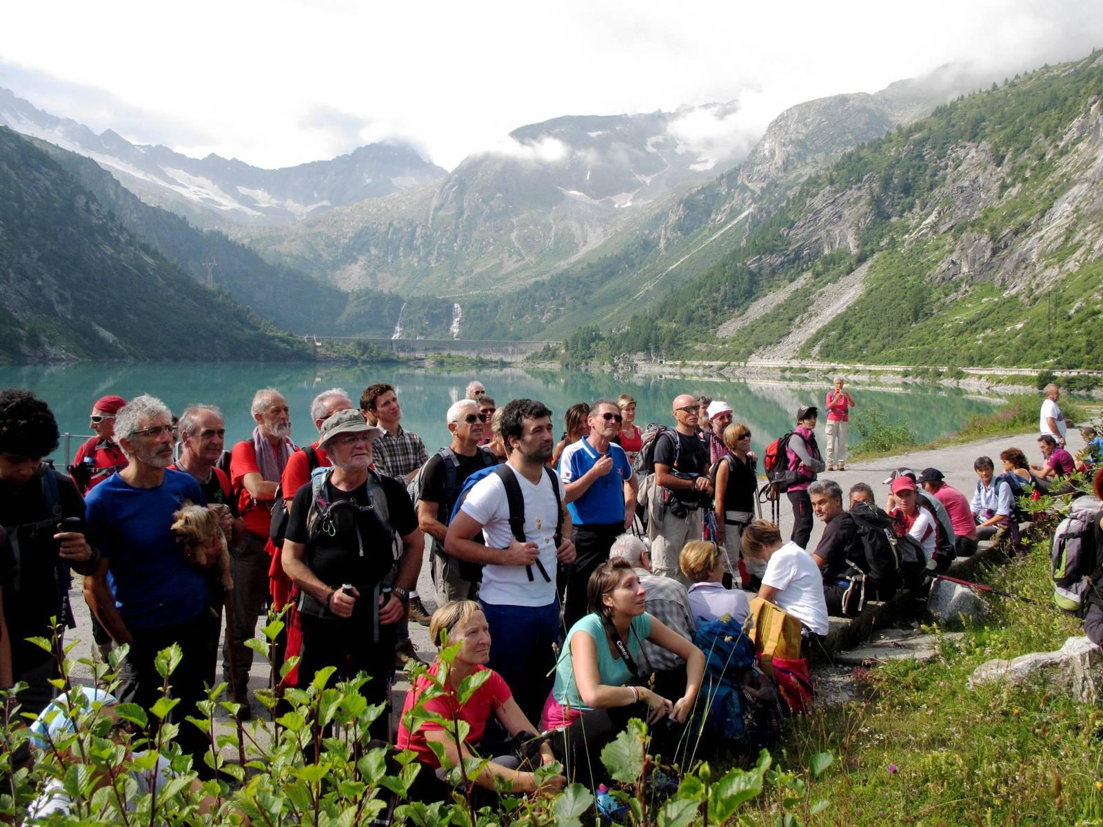Passi-nella-neve-9-agosto-2014_Narrazione-in-cammino-destinazione-Garibaldi19 Copia