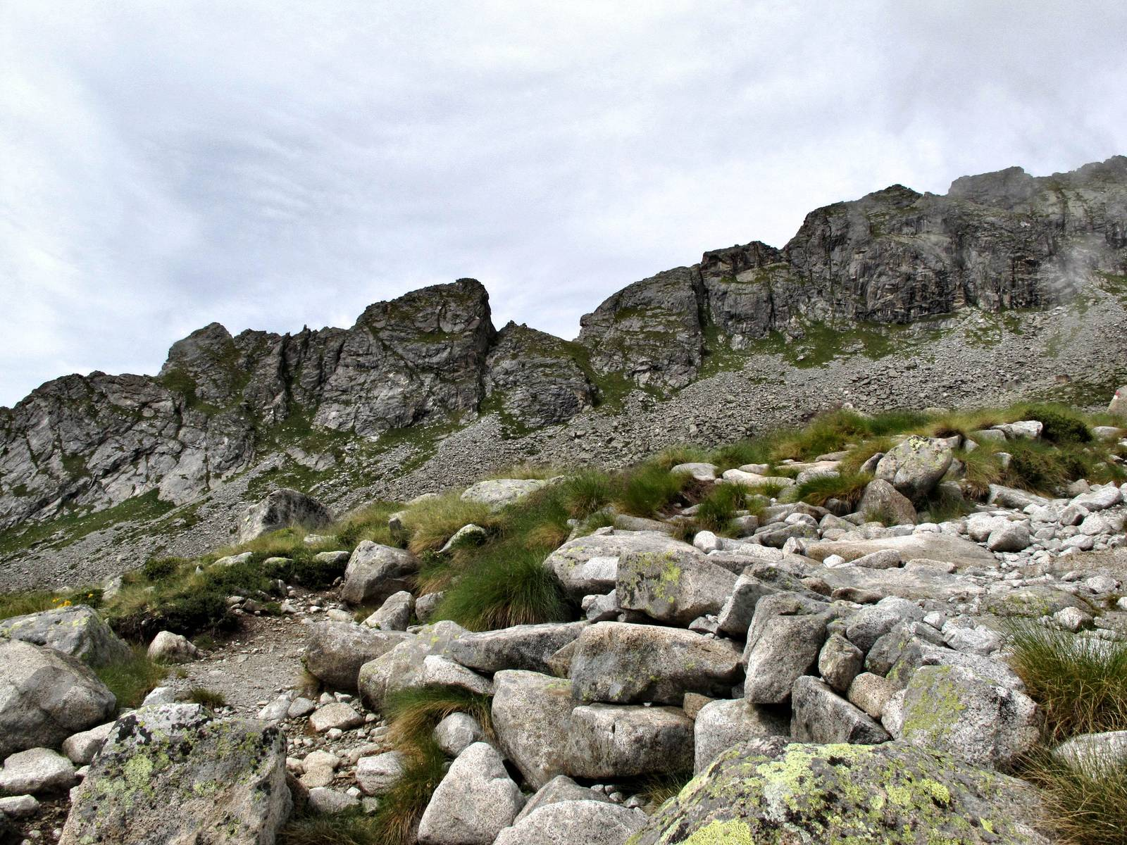 Passi-nella-neve-9-agosto-2014_Narrazione-in-cammino-destinazione-Garibaldi54 Copia